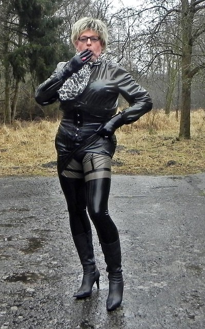 Kinky maids make a stiff manhood very happy - 5 2