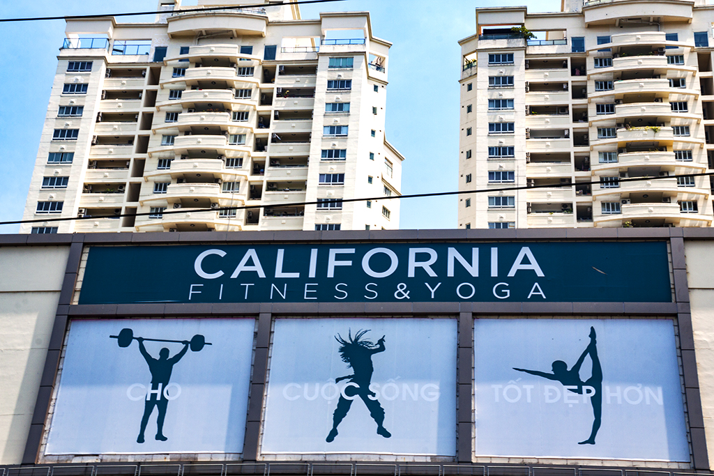 CALIFORNIA FITNESS n YOGA--Saigon