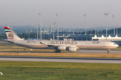 ETIHAD A340-600 A6-EHE 003