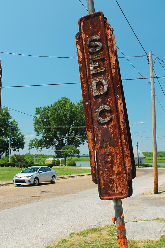 Anguish and Wolfenbarger Used Car Sign - Dallas City IL