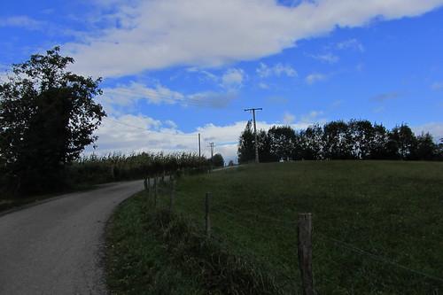 20120924 26 069 Jakobus Weg Wolken Bäume Feld Wiese