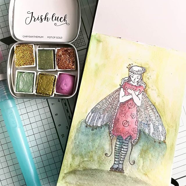 Today is new watercolor testing day ✨ Loving these new watercolors from @designsbyrachelbeth which I used with a few @danielsmithartistsmaterials watercolors on this @vivalasvegastamps image in my @moleskine watercolor pocket book. #watercolorpla