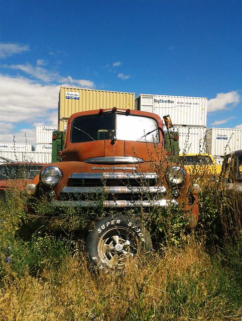 car junk yard (27)