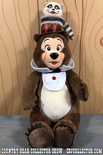 2018 Tokyo Disneyland Henry Plush - Country Bear Collector Show #142