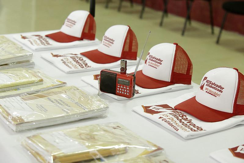 Juramentación de Voluntarios Alfabetizadores y Comisión Departamental de La Unión.
