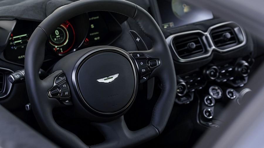 Aston Martin Vantage 6
