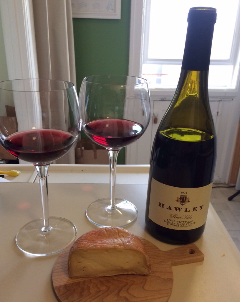 hawley-pinot-noir-and-red-hawk_1