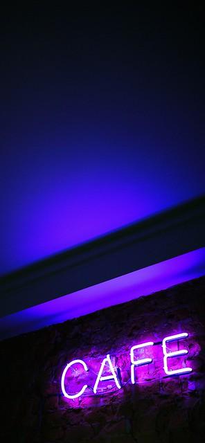 [桌布下載] 夜晚中最明亮高質感霓虹燈iPhone桌布下載