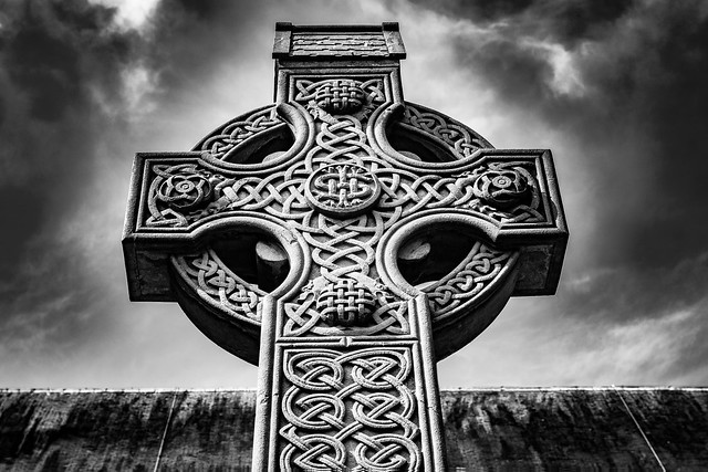 Celtic Cross at St, Nikon D7200, Sigma 17-50mm F2.8 EX DC OS HSM