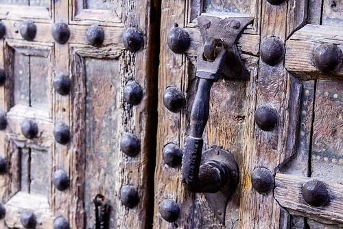 Monasterio de Sijena, puerta del palacio prioral