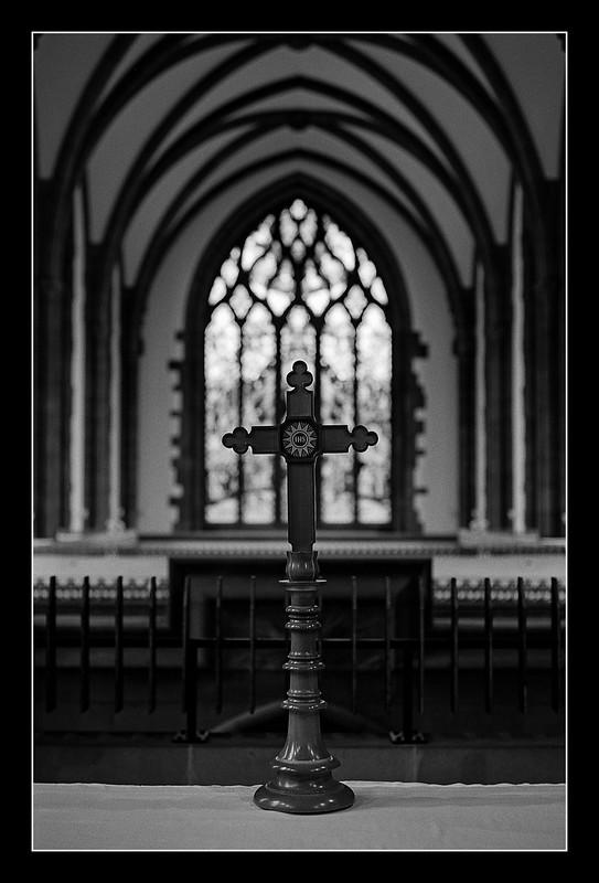 FILM - Crucifix