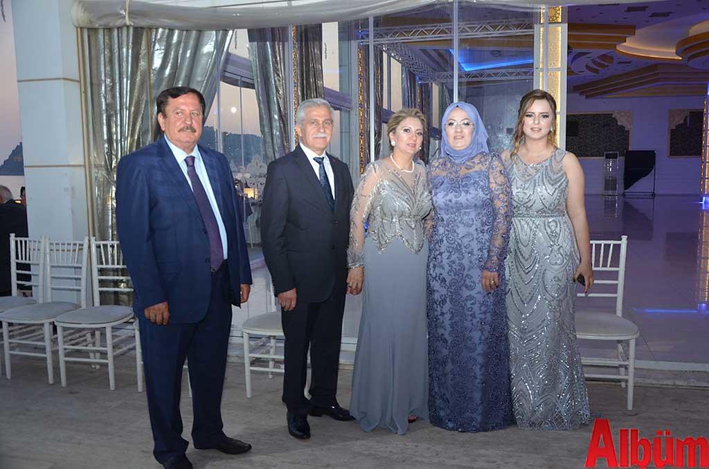 Dilara Sezen, Yılmaz İçmen düğün töreni- İçmen ve Sezen aileleri