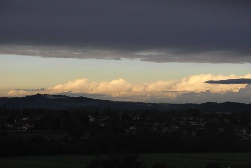 20120926 28 024 Jakobus Oloron Pyrenäen Wolken Sonne_K