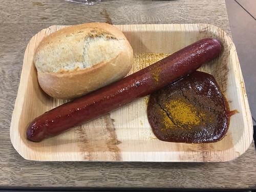 07 - Currywurst am Frankfurter Flughafen