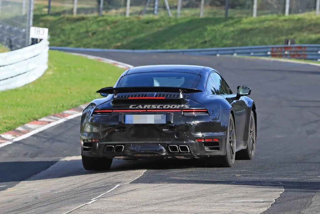 2020-Porsche-911-992-Turbo_13