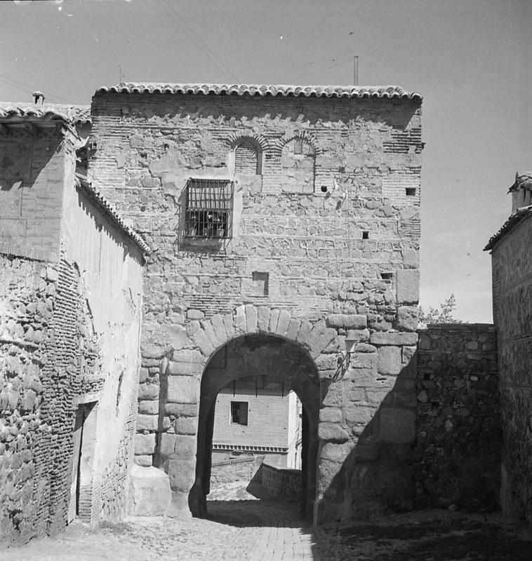 Puerta de Valmardón. Fotografía de Juan Miguel Pando Barrero © Fototeca del IPCE signatura PAN-061032_P