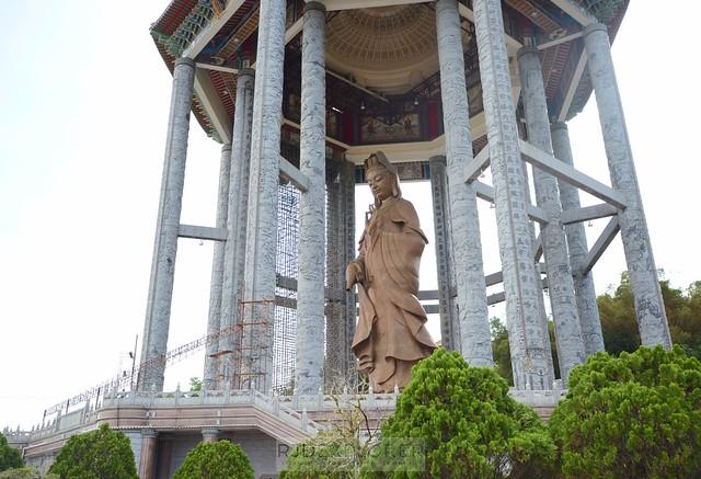 penang island itinerary travel guide standing buddha kek lok si temple