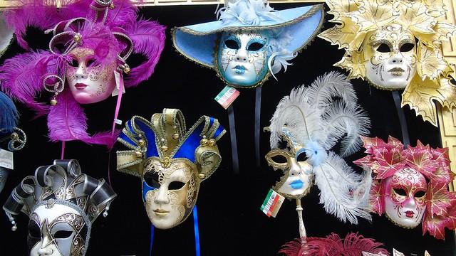 2_venetsianikes_maskes
