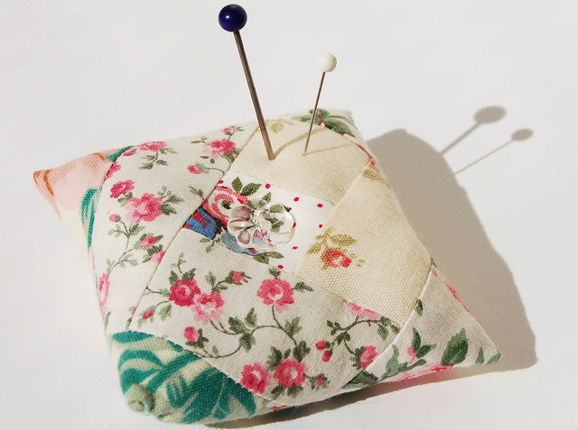 Log cabin pin cushion