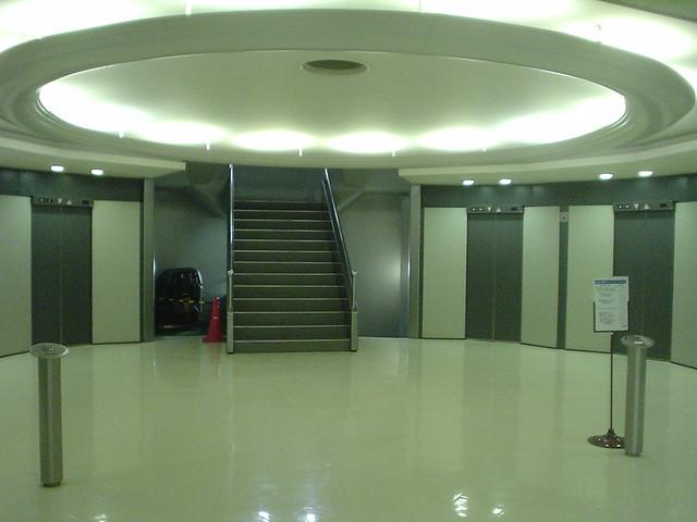 パレスサイドビル エレベーターホール