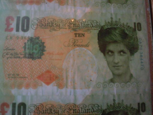 banksy's £10 note