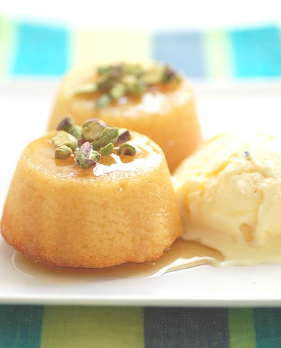 little semolina yoghurt cakes with cardamom icecream
