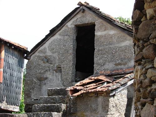 Palheiro abandonado - 15/06/2006