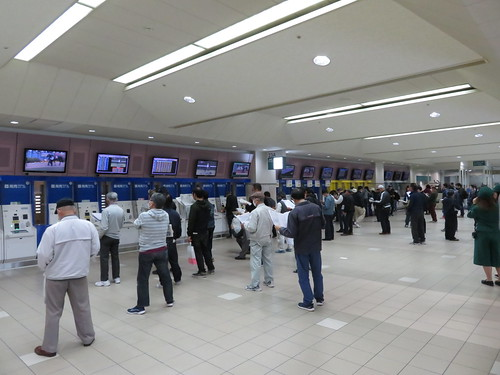 福島競馬場の2階23A投票所
