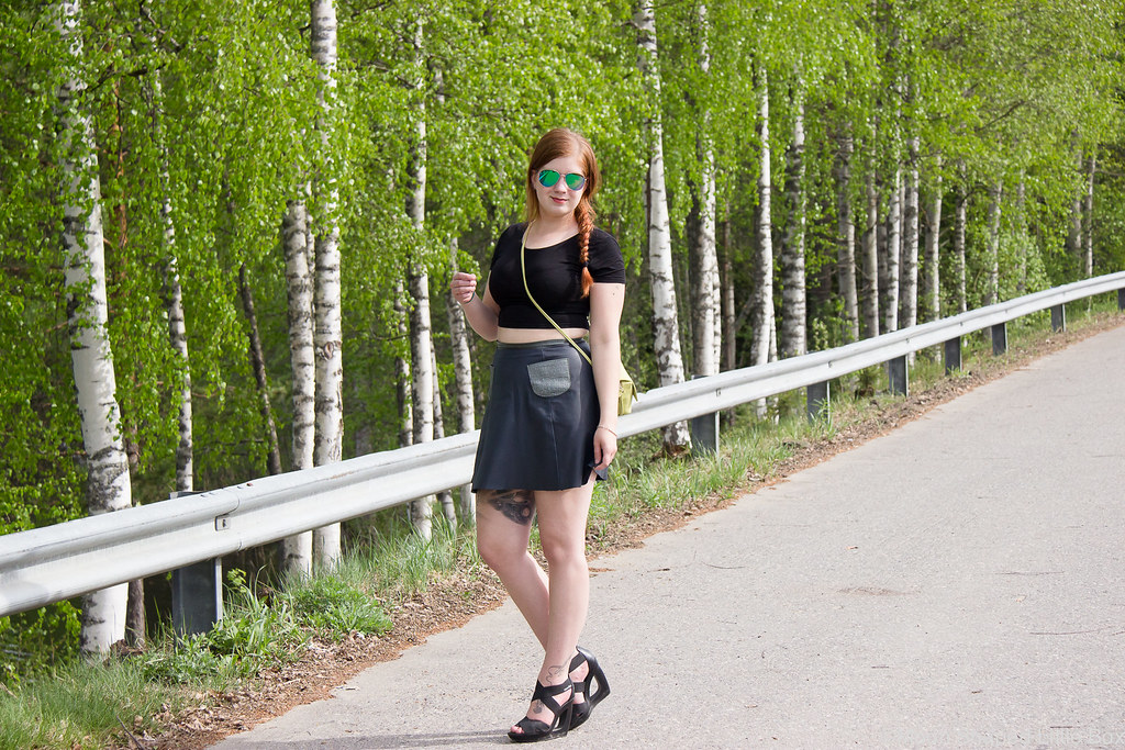 Outfit_Calvin_Klein_Heels_Leatherskirt-6