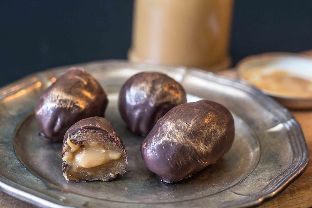 Påskeæg med cappuccino og karamel