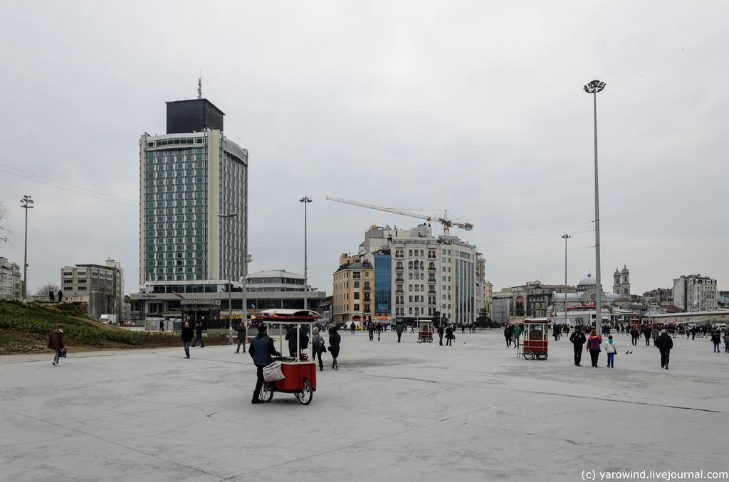 Стамбул: от Таксима к Турецкой православной церкви