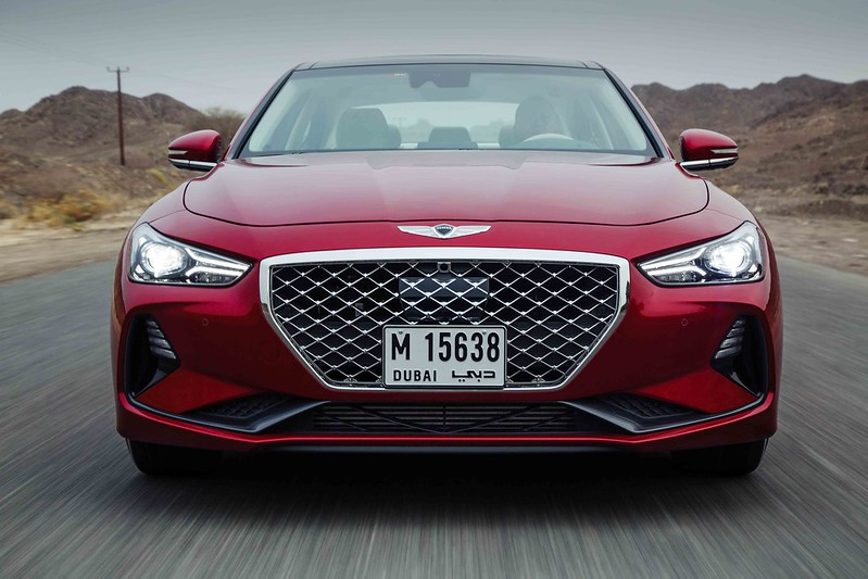 2018 2019 Genesis G70 first drive in UAE carbonoctane