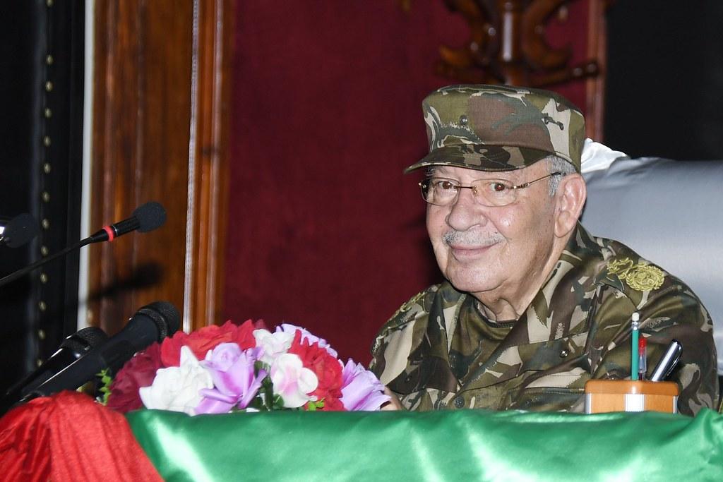 الجزائر : صلاحيات نائب وزير الدفاع الوطني - صفحة 21 40579494470_96b6903479_b