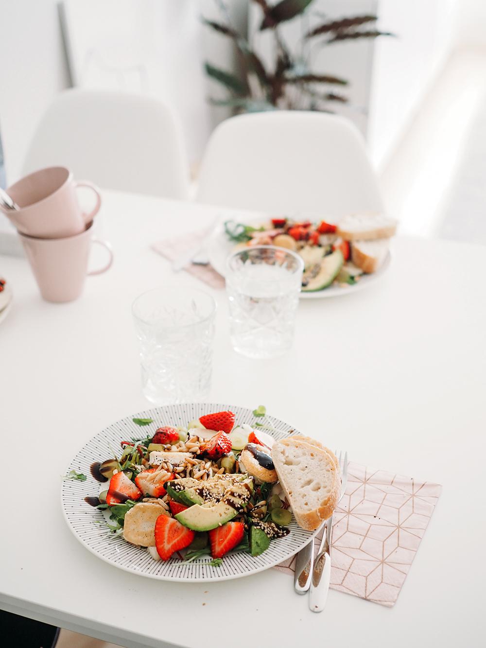 vuohenjuusto-salaatti