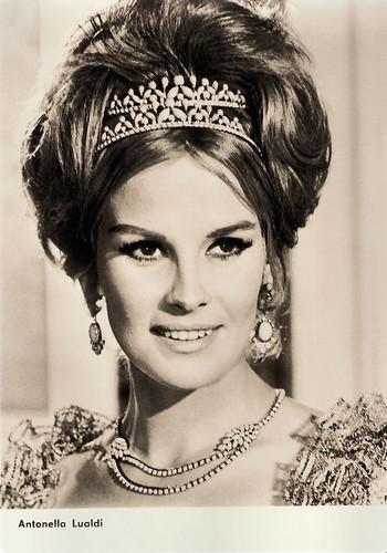 Antonella Lualdi in Surcouf, l'eroe dei sette mari (1966)