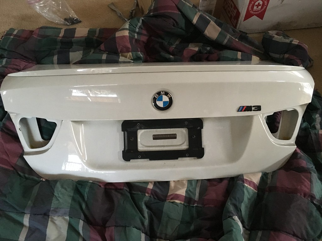 Aw E90 Lci Trunk And Tail Lights Bmw Wiring Harness I Used My Factory Pre When Had The On Car Will Include Them In Sale Just Not Sure If It Works Or