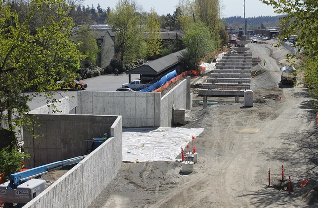 East Link construction along ERC
