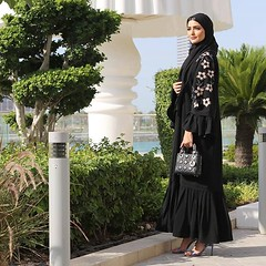 #Repost @haneenalsaify with @instatoolsapp ・・・ Eid look 1 لوك حلو للعيد The abaya that you all liked today ❤️ العبايه الي عجبتكم من @shaikha_deesign . . الكعب من الدو @aldo_shoes #subhanabayas #fashionblog #lifestyleblog #beautyblog #dubaiblogger #b