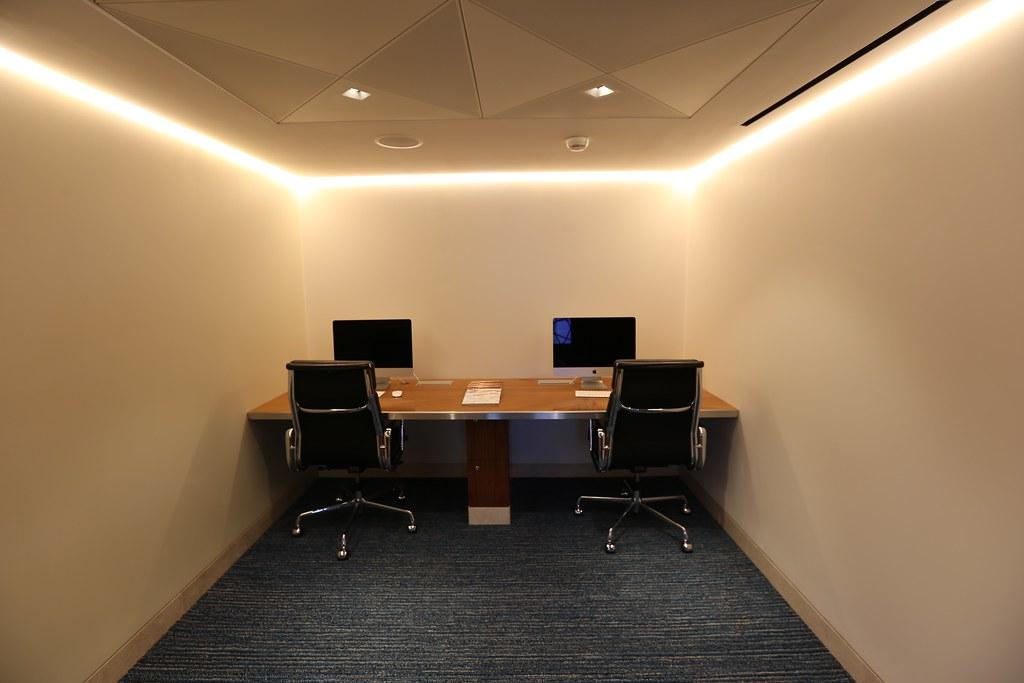 Qatar lounge at Paris CDG 43