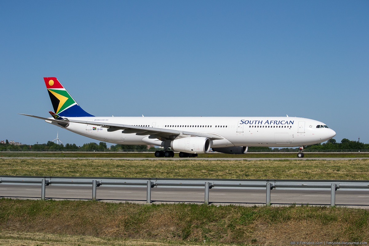 Airbus A330-300 ZS-SXI South African Airways