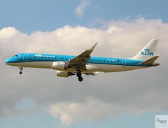 KLM Cityhopper E190 PH-EZN landing at LHR/EGLL