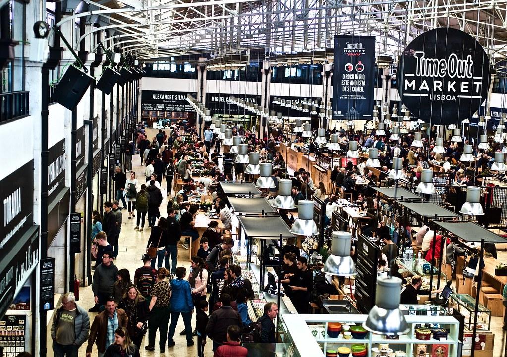 Marché à Lisbonne : Mercado da Ribeira, connu aussi comme le Timeout market - Photo de Pedro Ribeiro