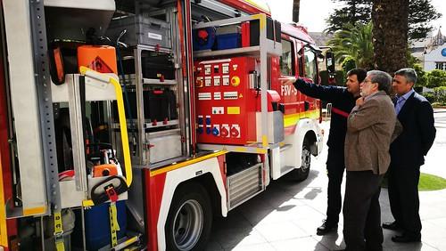 Presentación nuevo camión de salvamentos varios para los bomberos