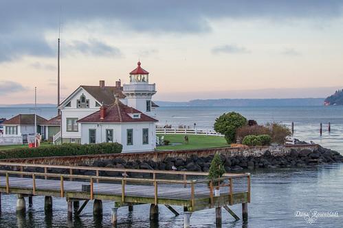 lighthouse mukilteo pugetsound sunrise washington unitedstates us