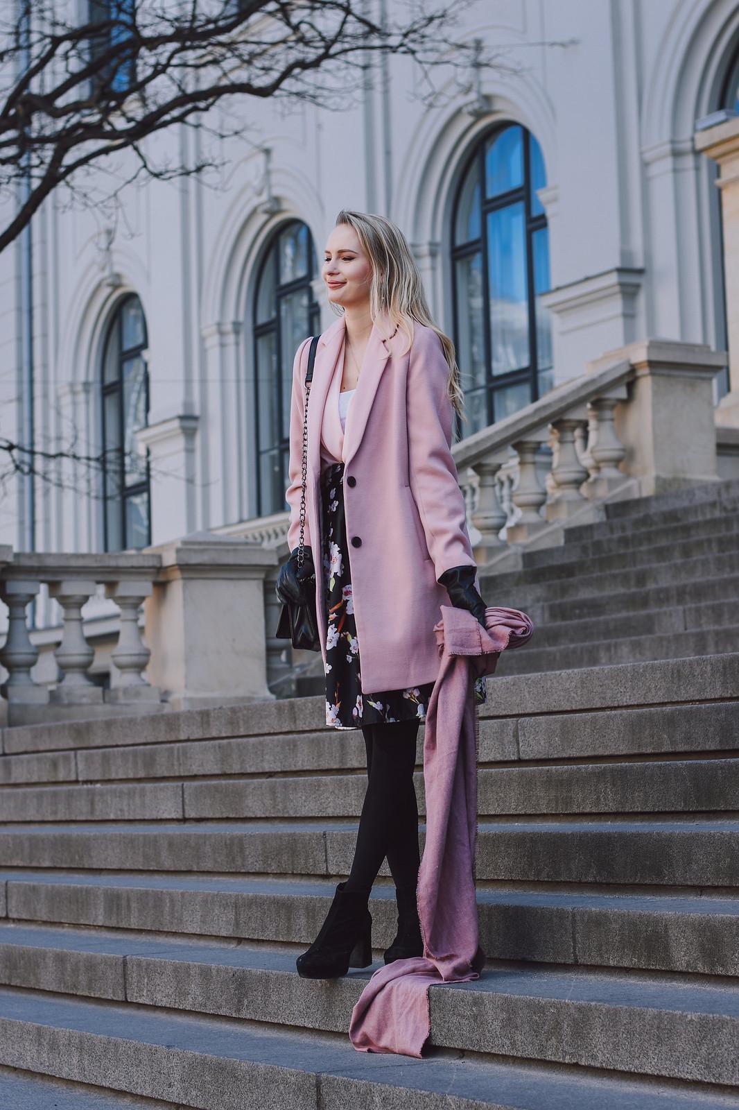 Stradivarius pink coat