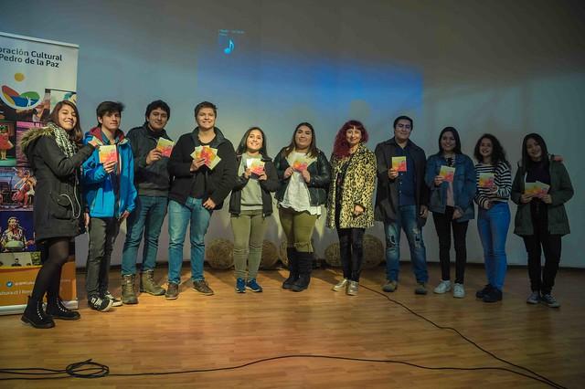 Entrega de discos festival estudiantial de bandas y voz 2017
