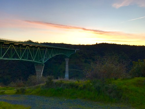 auburnfit auburnca foresthillbridge morningrun trailrun riverview riverviewtrail auburnstaterecreationarea