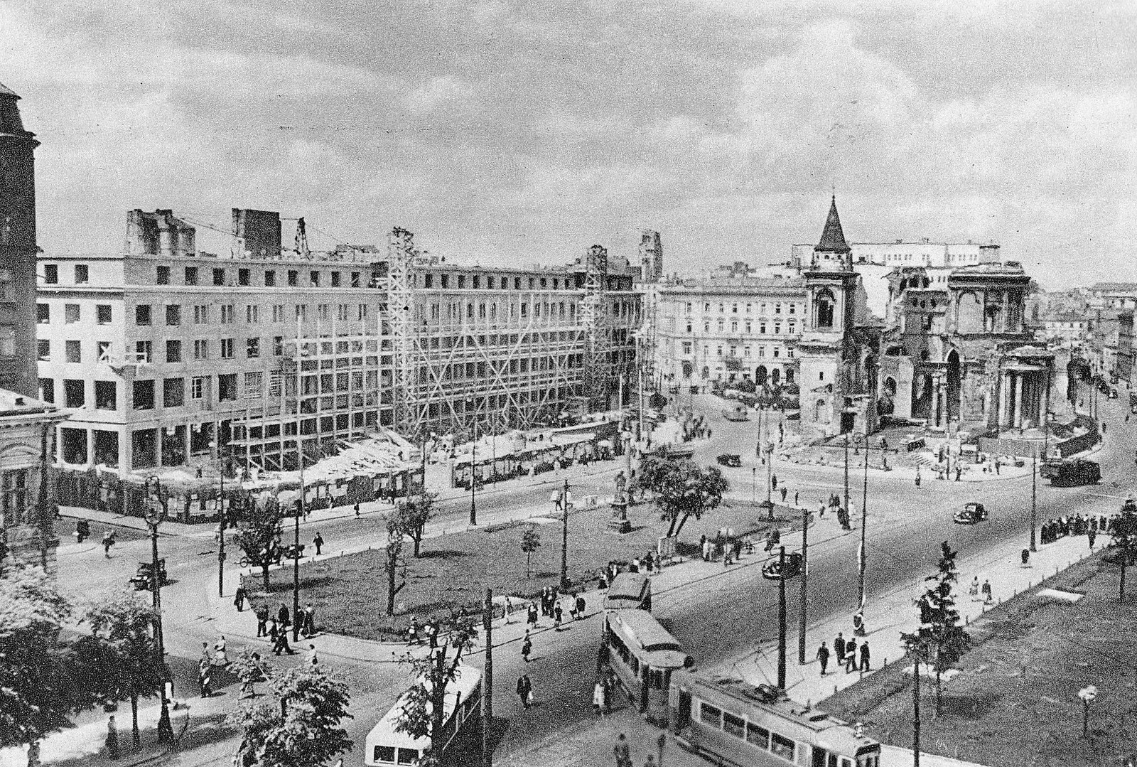 1948-1949 год. Варшава. Площадь Трёх Крестов. Костел Св. Александра.