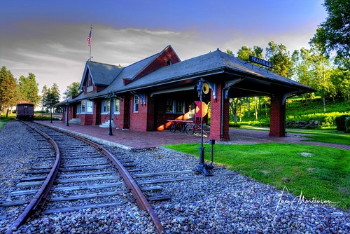 depot geotagged centralwisconsin traindepot wausau wisconsin wausauwisconsin marathoncounty usa america northamerica midwest station trainstation building railroad railroadstation railroaddepot hdr photomatix tonemapping 1740l canon canoneos digital railroadtracks
