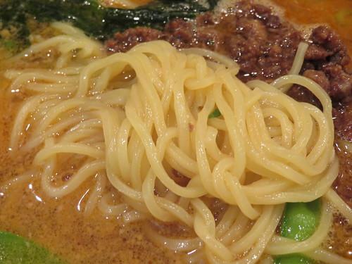 福島競馬場の精華苑の担々麺の麺